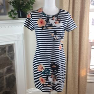 French Connection Dresses - French Connection Striped Floral dress. Perfect 10